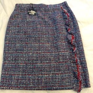 New Boutique Moschino Blue and Red Tweed Skirt 12